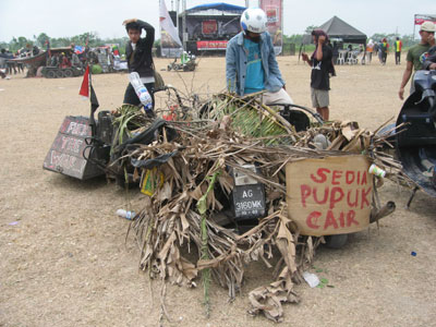 Sedia Pupuk Cair & Fuck The War
